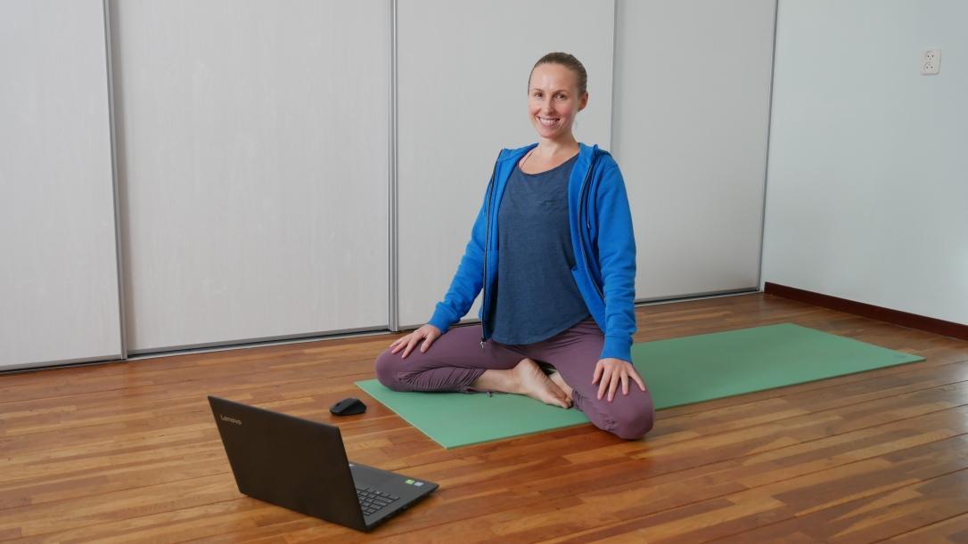 Online live yoga